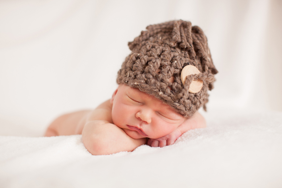 Baby, Landyn, Newborn, Boy, Photography, Minnesota, Sleepy, Sleeping, Hat, Button, Wooden